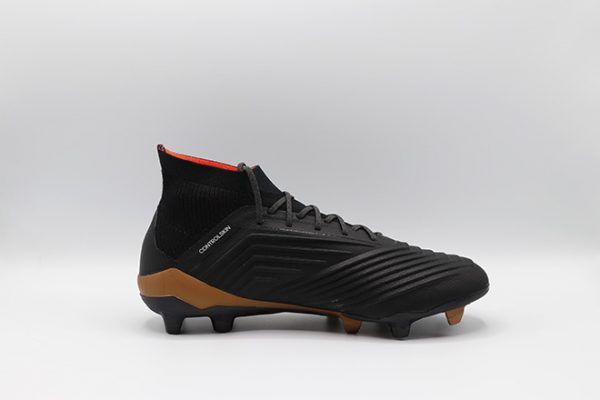 ghete de fotbal profesionale adidas predator 18.1