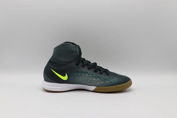 Ghete de fotbal Nike MagistaX Proximo II IC