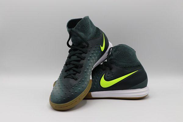 Ghete de fotbal Nike MagistaX Proximo II IC 2